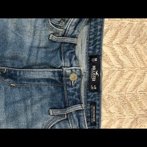 Hollister distressed mom jeans (size 9 )